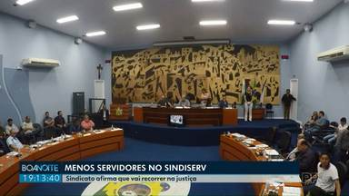 Vereadores aprovam redução no número de funcionários cedidos para Sindiserv - O Sindicato dos Servidores informou que vai recorrer da decisão.