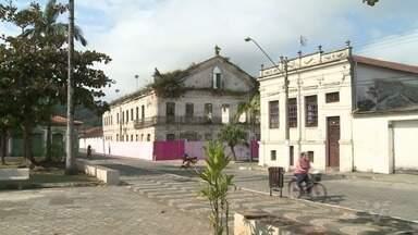 Casarões passam por restauração em Iguape - Centro Histórico mantém construções do século passado.