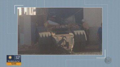 Semi-reboque de carreta se solta e atinge casa em Candeias (MG) - Semi-reboque de carreta se solta e atinge casa em Candeias (MG)
