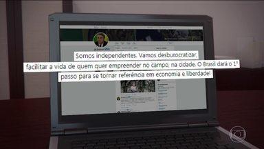 Candidato do PSL, Jair Bolsonaro, passa o dia no Rio de Janeiro - Jornal Nacional mostra como foram as atividades de campanha de candidatos à presidência nesta segunda-feira (1º).