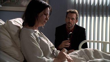 O Método de Socrátes - Dr. House está intrigado com os sintomas de uma mulher esquizofrênica e percebe que a origem dos problemas da mulher não é tão óbvia.