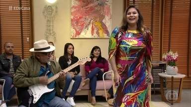 Fafá de Belém abre o 'É de Casa' deste sábado com aquele astral - Ela canta 'Nuvem de Lágrimas'