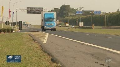 Dispositivo de trânsito alerta motoristas e reduz número de acidentes - Um dispositivo que serve de alerta aos motoristas foi implantado em estradas da região e reduziu o número de acidentes.