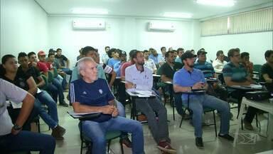 Curso destaca normas para aplicação de defensivos agrícolas no Maranhão - Curso foi realizado na região Sul do estado e contou com a participação de pilotos, agrônomos e técnicos agrícolas.