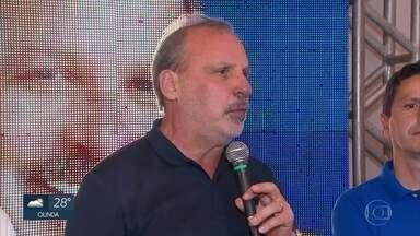 Armando Monteiro, do PTB, comenta o resultado das eleições em Pernambuco - Candidato ficou em segundo lugar na disputa pelo governo do estado.