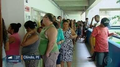 Como foi o domingo de votação no Recife e em outras cidades de Pernambuco - Locais de votação com longas filas, chuva e lixo espalhado pelas ruas marcaram o domingo.