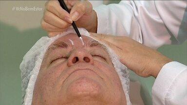 Veja dicas para tirar cicatriz antiga - A cicatriz vermelha responde mais rapidamente aos tratamentos. Entre eles estão os cremes, laser, aplicação de toxina botulínica, preenchimento com ácido hialurônico, microagulhamento, IPCA.