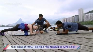 Fernanda Keulla acompanha dia de treino de David Júnior - Ator madruga três vezes por semana para andar de bicicleta, correr e nadar