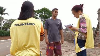 Equipes do Seja Digital orientam moradores - Tiraram dúvidas sobre o sinal digital e sobre o kit gratuito