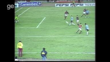 Confira os gols de Grêmio 2x2 Flamengo pela Copa dos Campeões em 1995 - Assista ao vídeo.