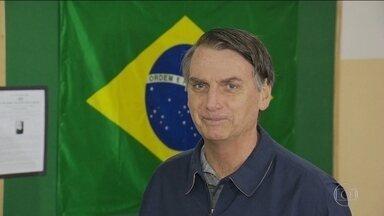 Jair Bolsonaro (PSL) usou as redes sociais para se comunicar com os eleitores - O candidato do PSL à Presidência passou mais um dia em casa, no Rio, ainda se recuperando do ataque que sofreu em Juiz de Fora. Nesta quarta (10) ele será avaliado por médicos para decidir se retoma a campanha nas ruas.