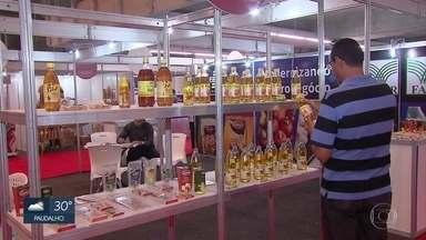 Agrinoredeste oferece 230 estandes com produtos produzidos no campo - Feira é uma oportunidade de negócio para agricultores e criaores de animais.