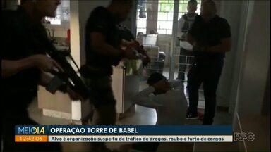Polícia prende suspeitos de tráfico de drogas, roubo e furto de cargas - Operação acontece no Distrito Federal, em outros seis Estados, inclusive no Paraná.