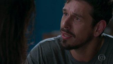 Alain pede a Cris que reconsidere sua decisão de deixar o filme - Ela afirma que não vai mudar de ideia