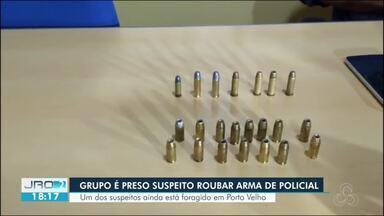 Três homens são presos suspeitos de roubar a arma de um policial - Um deles continua foragido.