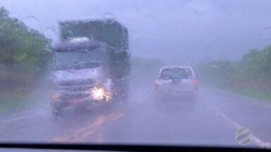 PRF inicia operação nas estradas para feriado prolongado - Operação é para coibir abusos nas estradas durante o feriado.