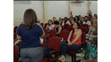 Encontro reúne autoridades e debate violência contra a mulher em Montes Claros - Central de Atendimento à Mulher em Situação de Violência recebeu mais de 80 mil denúncias neste ano.