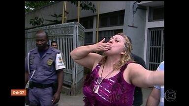 Ex-prefeita é acusada de chefiar esquema que falsificava decisões judiciais no RJ - Quatro pessoas foram presas acusadas de falsificar decisões judiciais no estado do Rio de Janeiro. Segundo o MP, o esquema era comandado pela ex-deputada e ex-prefeita de Magé, Núbia Cozzolino.