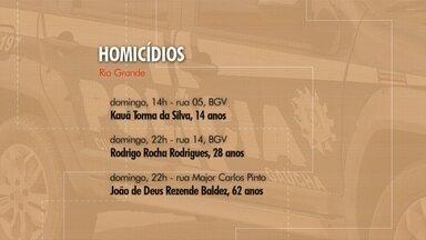 Três homicídios são registrados em Rio Grande nesse domingo - Dois casos foram no bairro Getúlio Vargas. Em um deles, vítima foi jovem de 14 anos. Com isso, cidade chega a 63 mortes violentas desde o início do ano.
