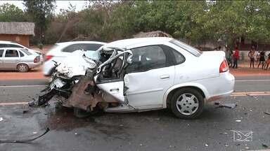 Acidente em Codó causa uma morte e deixa duas pessoas feriadas - Acidente aconteceu na BR-316. O motorista que morreu teria tentado fazer uma ultrapassagem proibida e acabou batendo de frente com outro veículo.