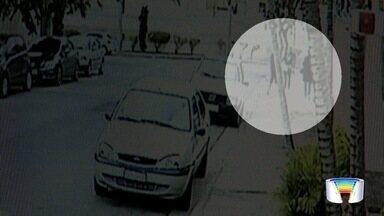 Suspeito de latrocínio no Dia dos Pais é preso na zona sul de S. José - Suspeito de matar a tiros José Rodrigues Neto estava escondido no Interlagos e foi surpreendidos por policiais nesta segunda (15). Vítima foi executada na frente da família. Comparsa segue foragido.