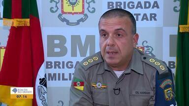 BM investiga major por suspeita de cobrar R$ 5 mil por segurança a time de futebol - Major Fernando Maciel foi afastado da função de subcomandante que exercia em um batalhão de Porto Alegre.