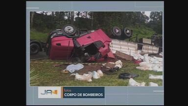 Homem de 37 anos morre após perder o controle de caminhão na SC-156 em Lajeado Grande - Homem de 37 anos morre após perder o controle de caminhão na SC-156 em Lajeado Grande