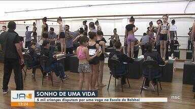 Mais de 5 mil crianças disputam por uma vaga na Escola Bolshoi de Joinville - Mais de 5 mil crianças disputam por uma vaga na Escola Bolshoi de Joinville