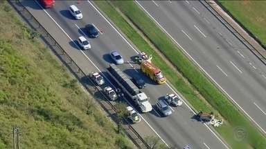 Acidentes provocam congestionamento na Rodovia Castello Branco - undefined