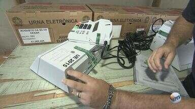 10 urnas eletrônicas passam por auditoria aberta ao público em Araraquara - Ação é para mostrar à população que as urnas eletrônicas são seguras.