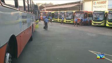 Rodoviários realizam paralisação de advertência em São Luís - Ato que contou com a participação de motoristas, cobradores e fiscais teve início na madrugada desta sexta-feira (26) na capital.