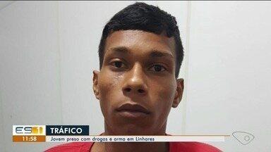 Jovem é preso por porte de arma e drogas em Linhares - Ele foi autuado em flagrante por tráfico.