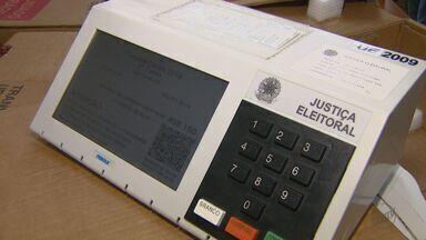 Eleitores vão às urnas para o segundo turno das eleições neste domingo (28) - Votação é para presidente e governador.