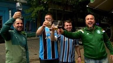 Nas semis da Libertadores, Grêmio bate River, e Palmeiras perde para o Boca, na Argentina - Tricolor gaúcho faz 1 a 0 sobre rival, enquanto paulistas resistem o quanto podem, mas levam dois gols. Partidas de volta acontecerão no Brasil.