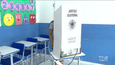 Eleitores vão às urnas escolher prefeito e presidente em Bacabal - Preocupação da Justiça Eleitoral na cidade foi garantir a tranquilidade necessária para que os eleitores pudessem exercer o direito ao voto.