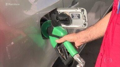 Vale a pena encher o tanque com etanol ou gasolina? Saiba como calcular - O 'Mais Você' fala sobre a diferença de preço entre o etanol e a gasolina e mostra quando vale a pena usar um ou outro nos casos de carros flex. Cesar Urnhani tira dúvida dos motoristas