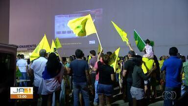 Eleitores de Jair Bolsonaro fazem carreata para comemorar vitória - Eleitores de Jair Bolsonaro fazem carreata para comemorar vitória