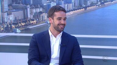 Governador eleito, Eduardo Leite é entrevistado no Jornal do Almoço - Veja a entrevista.