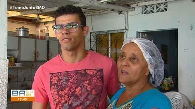 'Vidas que seguem': projeto mostra realidade de pessoas que buscam emprego em Salvador - Nos episódios desta segunda-feira (29), mostra a luta de José Roberto e Anderson, da cidade de Maragojipe.