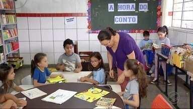 Antiga biblioteca de Dourados teve parte do acervo doado para reciclagem - Biblioteca Vicente de Carvalho está desativada há anos.