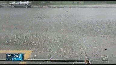 Campinas e outras cidades da região registram chuva forte na tarde desta quarta-feira - Em alguns pontos, choveu até granizo.