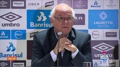 Grêmio pede à Conmebol que River Plate perca pontos do último jogo - A alegação é que o técnico Gallardo, do River Plate, usou um rádio comunicador e entrou no vestiário com o time argentino. O técnico estava suspenso.