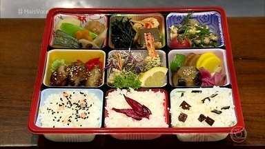 Bentôs são as marmitas japonesas - A chef Thelma Shiraishi explica que os bentôs são coloridos e equilibrados. Normalmente levam arroz, conservas e uma variedade de proteínas