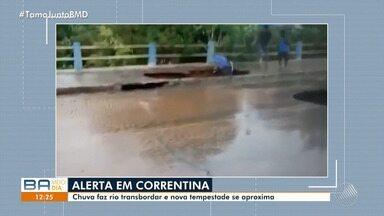 Idosa cai em buraco durante tempestade em Correntina, na região oeste - O Rio Correntina transbordou e várias casas foram alagadas; confira.