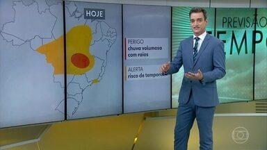 Chuva forte atinge partes das regiões Norte, Centro-Oeste e Sudeste - Em Brasília, acumulados de chuva podem chegar aos 60mm hoje (7)