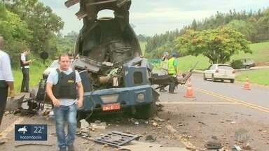 Polícia procura suspeitos de ataque a carro-forte em Santo Antônio da Alegria - Homens também atiraram com fuzis no helicóptero da Polícia Militar.