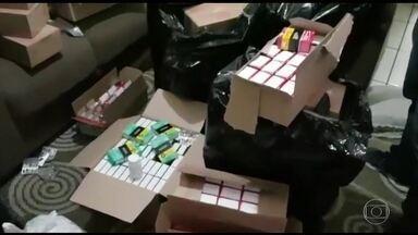 Polícia prende cinco por venda ilegal de remédios pela internet - Quadrilha é acusada de vender medicamentos proibídos pela Anvisa e controlados, sem prescrição médica.