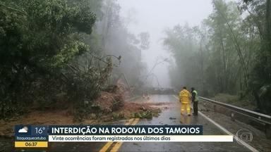 Interdição na Rodovia Tamoios não tem previsão de acabar - Vinte ocorrências foram registradas nos últimos dias na região