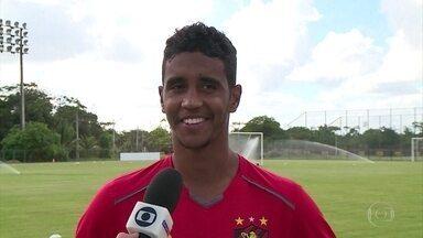Em boa fase, Gabriel é a arma do Sport diante do Fluminense - Baiano está de bem com a vida e tem sido importante na recuperação do Leão