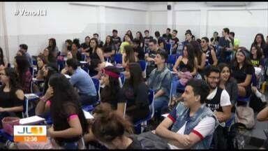 Segunda etapa do Enem será aplicada no proximo domingo (11) - Estudantes se preparam para exame.